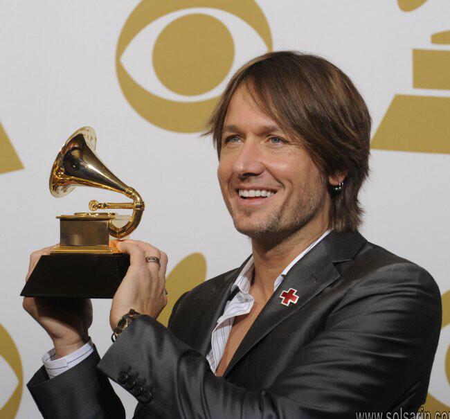 how many grammy awards has keith urban won?