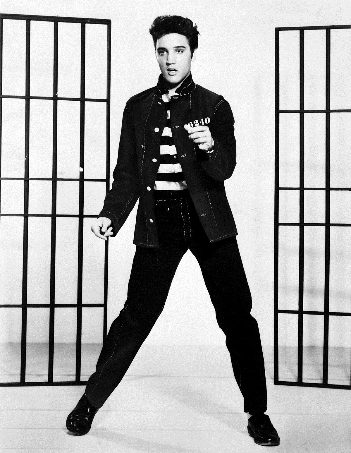 what was elvis presley's middle name?