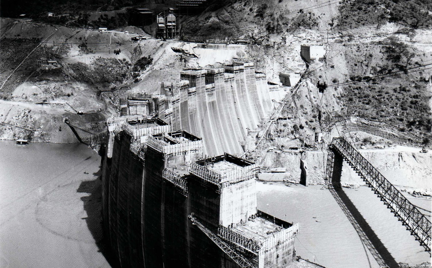 kariba dam built