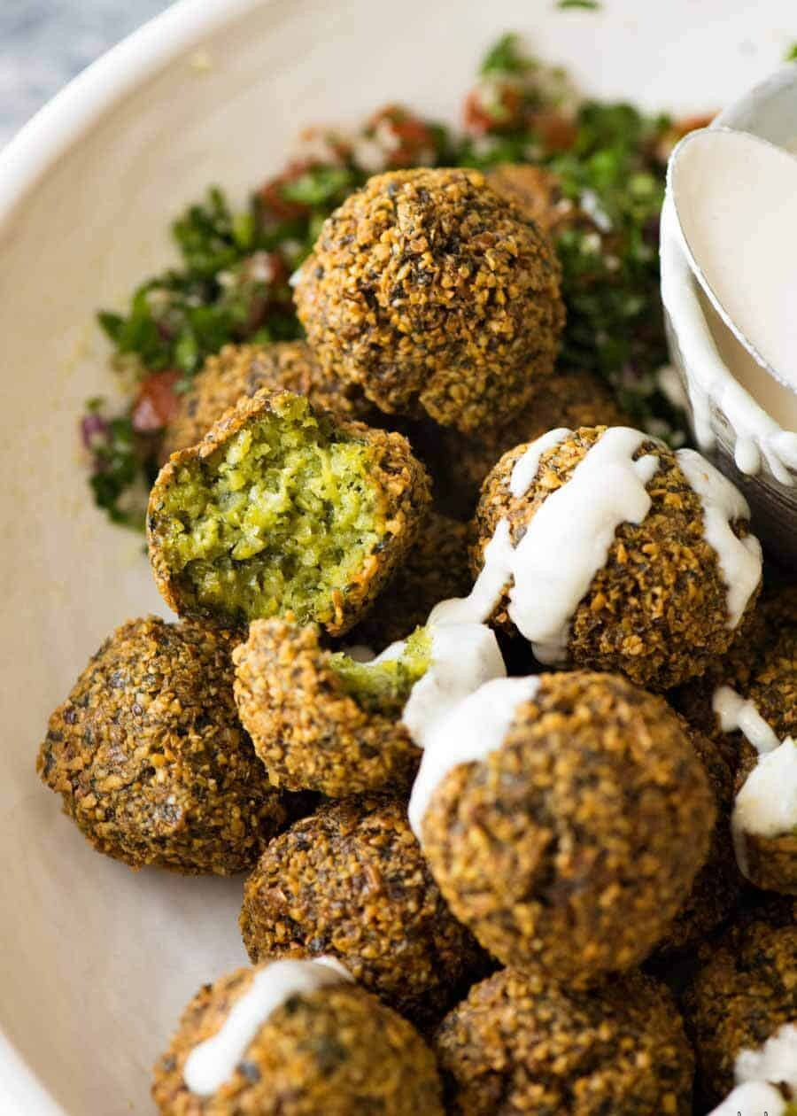what is the primary ingredient in the middle eastern dish of falafel?