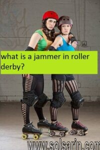 what is a jammer in roller derby?